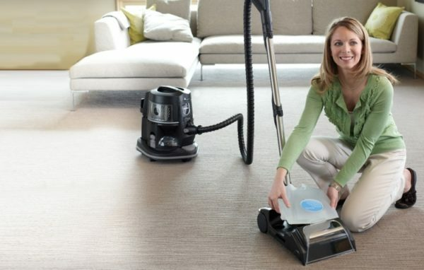 Using a vacuum cleaner with aquafiltering, you'll be sure to clean their homes.