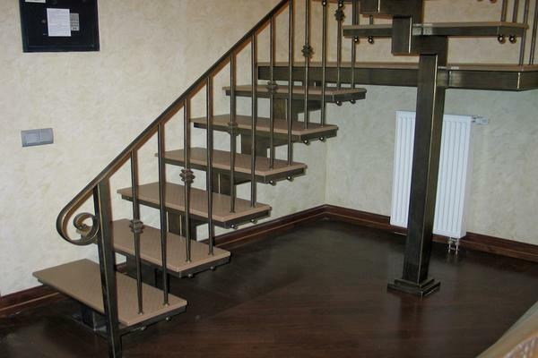 Making stairs on a metal frame: on the second floor, iron cladding, photo and video