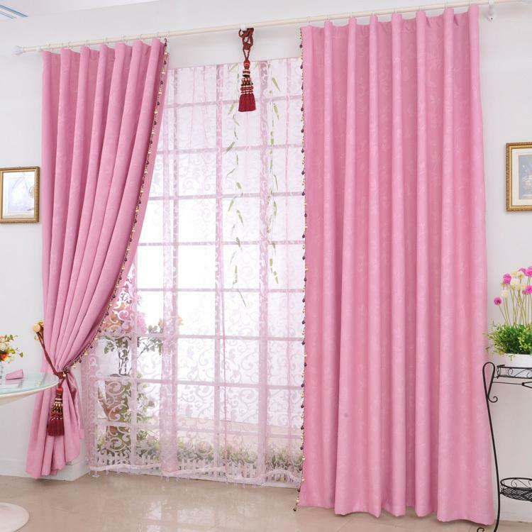 Pink curtains: photo in the interior, bedroom in bright colors, gently pink in a flower, pictures and dirty-pink curtains
