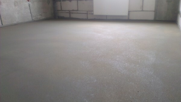 EXAMPLE concrete screed