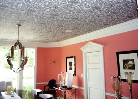 how pokleit wallpaper on the ceiling