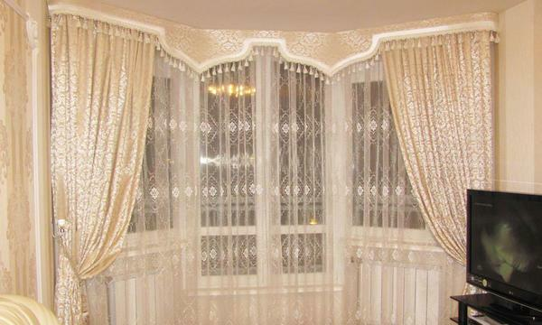 To get acquainted with interesting variants of curtains with lambrequins for a bedroom, you can easily use it yourself, using the Internet