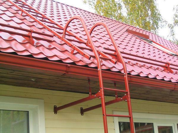 Roof ladder: for mounting metal roofs on the roof, Metal profile, metal by hand, for exit and for work