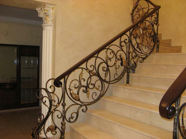 Handrails should be harmoniously combined with the main part of the staircase