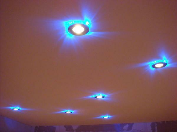 Spots for stretch ceilings: arrangement of overhead, photo installation, which fit, installation