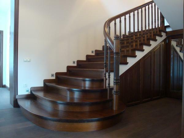 Let the stairs have more steps, but they do not provoke an increased load on the lower limbs