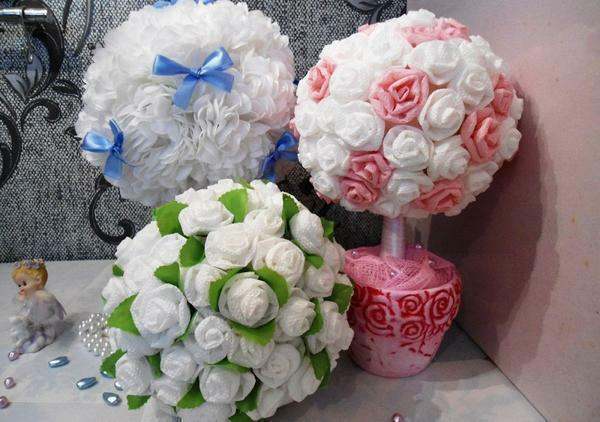Topiary of napkins: hands of flowers, photo how to make, master classes for beginners, heart step by step