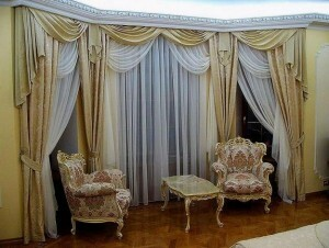 Curtain design for the living room into two windows: simple examples