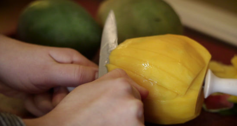 How to cut mango in order to peel it from a stone and peel and how to cut it properly after peeling
