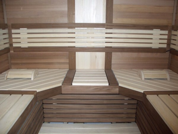 The low thermal conductivity of the skin of Abasha shelves provide maximum comfort of your stay in the steam room