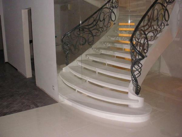 Stairs made of stone: natural and artificial, stone steps, internal lining and finishing of metal