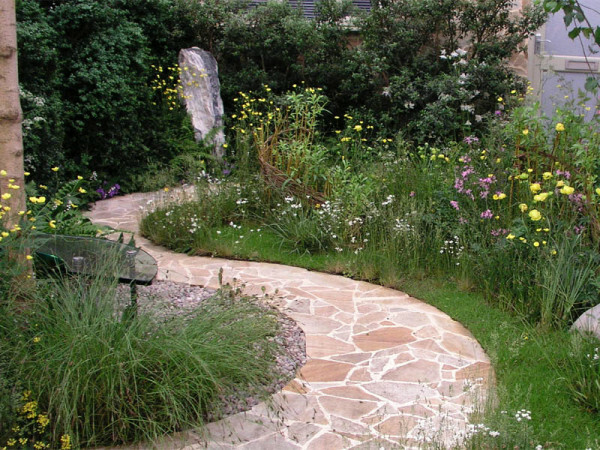 Winding paths make the site more comfortable