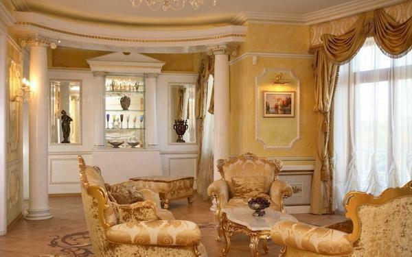 The right combination of wallpaper with furniture in a classic interior will make the room exclusive and beautiful