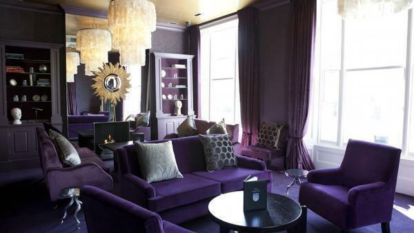 Gray sofa in the interior of the living room photo: red and purple, white and brown, green and beige, how to choose a color