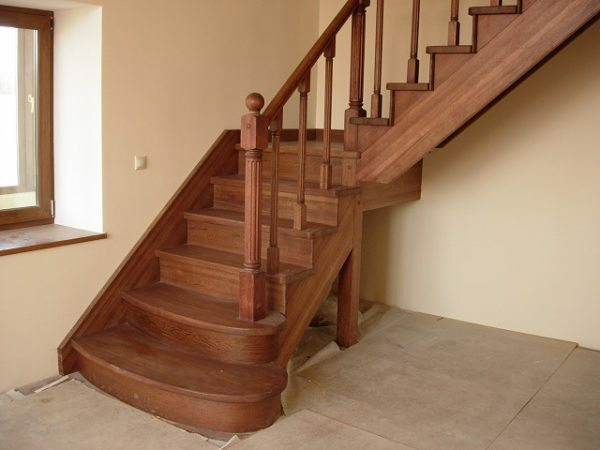 The basic skills of working with wood enough to make your own wooden staircase