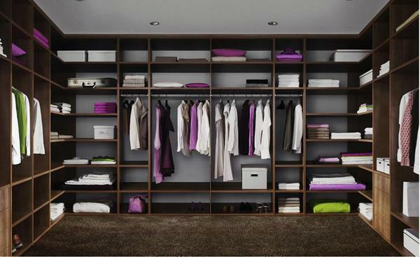 In each wardrobe there are basic components, and which of them you choose - decide on your own