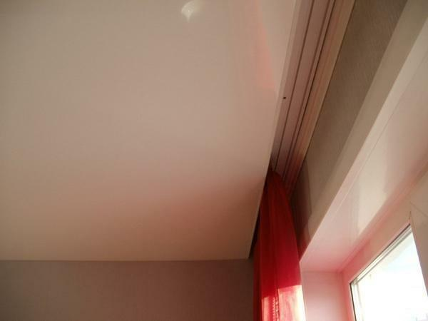 Among the advantages of a ceiling cornice for stretch ceilings is worth noting the compactness and a small price
