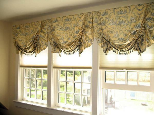 To independently produce English curtains, you need to purchase the necessary materials and study the recommendations of specialists