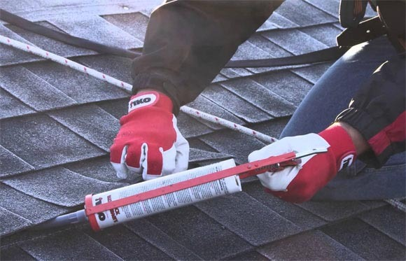 For sealing the underside of the tile series is greased with mastic