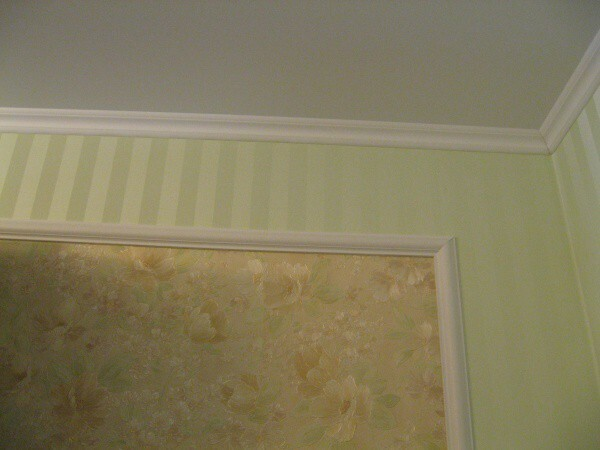 Ceiling skirting: instructions on how to choose the width, height and other parameters, video and photos