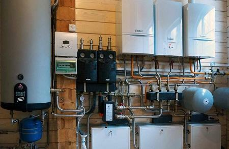 It is possible to choose the boiler house correctly in a private house, having previously studied the recommendations of specialists