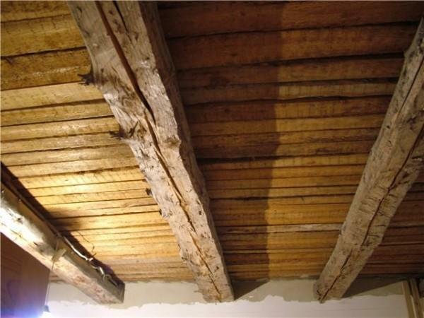 How to cover the ceiling with plasterboard in a wooden house: with your own hands a tree, video