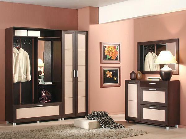 Accessories for the hallway: the decor of the corridor, items for the apartment, photos and how to decorate yourself