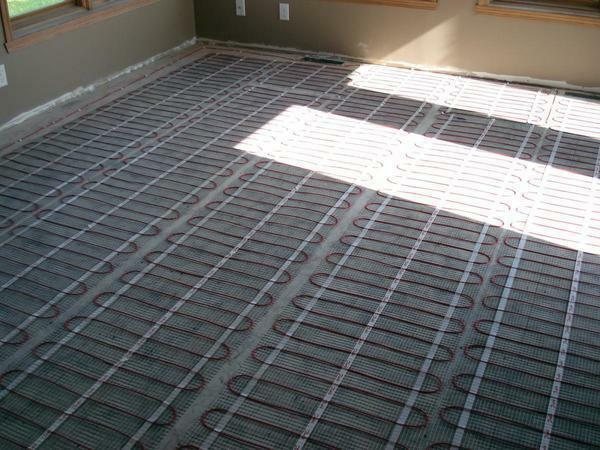 Cable floor heating can be installed both throughout the room and in a certain area