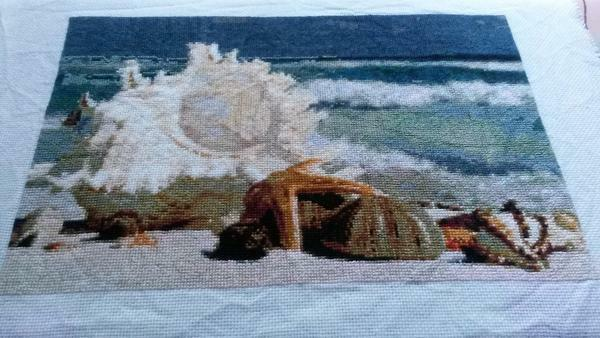 Seascape is not easy to embroider, because it is difficult to convey the game of light and sea waves