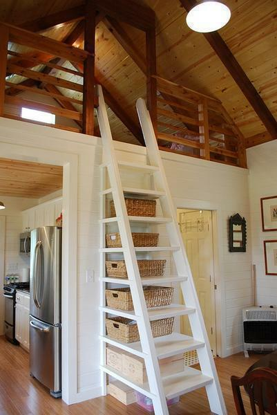 The maximum length of the attached wooden ladder should not be more than 5 meters