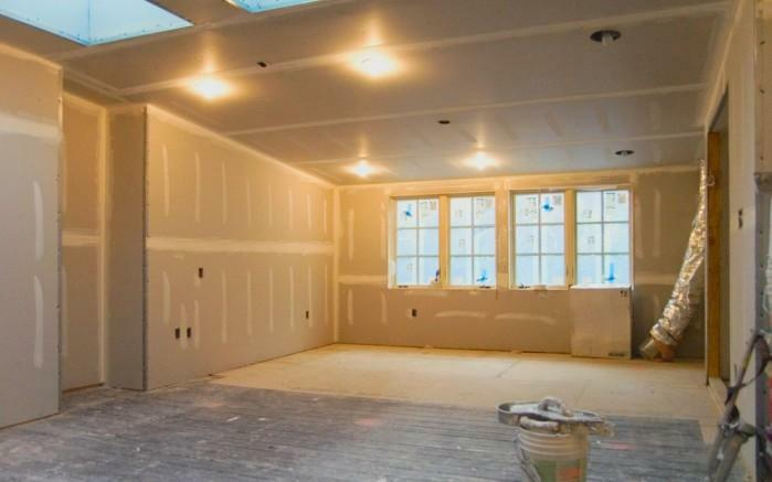 The popularity of drywall is quite high, so this material is preferred even for finishing the floor
