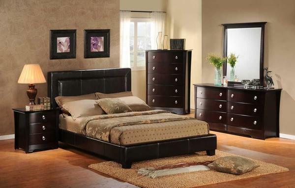 The furniture purchased for the bedroom should be kept in one style, and also fully in harmony with the overall situation in the room