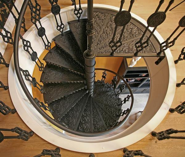 Metal spiral staircases: forged by hand, photos and drawings, iron on the second floor, fabrication