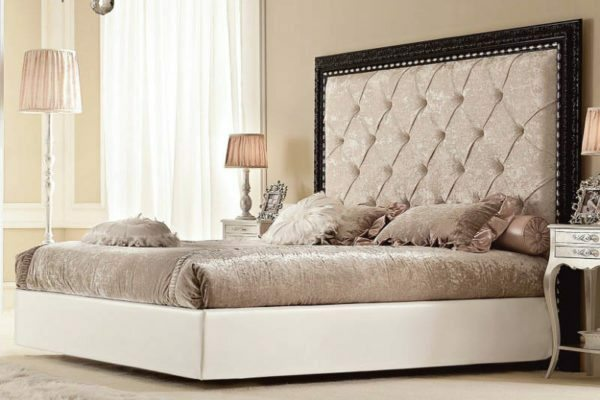 Attaching carved elements on the perimeter of the headboard can give a luxurious look