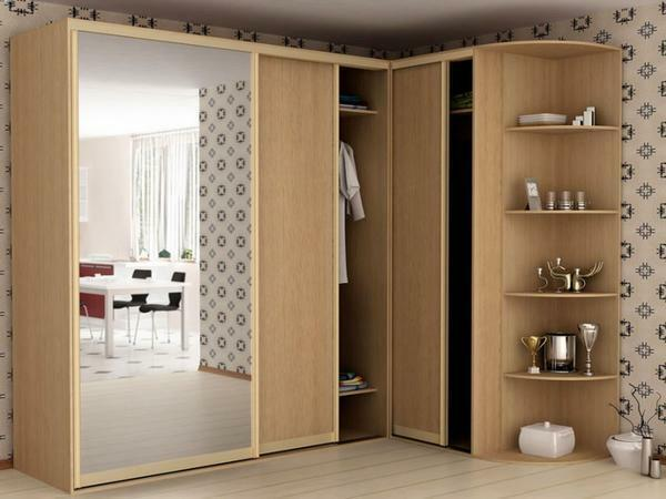 L-shaped corner cabinets very rationally use the bedroom space