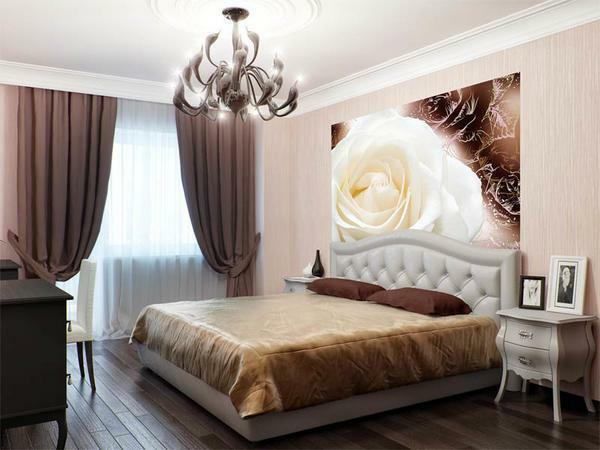 Romantic people will like a room, the interior of which is decorated in warm colors