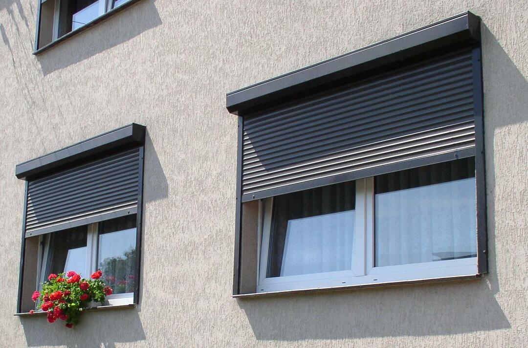 Rolled shutter photo: on the window shutters, what are the types of roller shutters, pictures, modern indoors, what is it