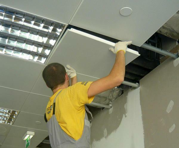 As fastening materials for the Armstrong ceiling, it is necessary to use knots, suspensions and T-shaped profiles