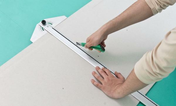 Precise marking on the sheet will help properly and smoothly cut drywall
