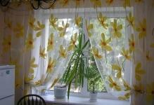 1442136700 curtains-for-kitchen-24