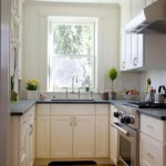 The design of the narrow kitchen