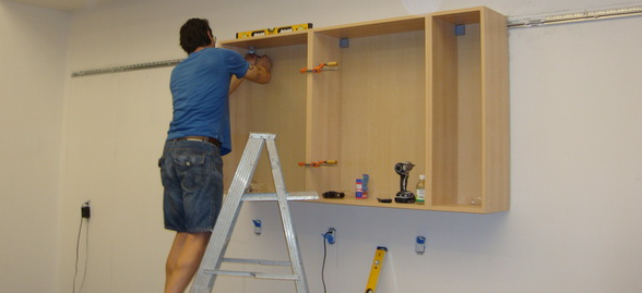 Take into account the weight of the cabinet before choosing the method of its installation on the wall of gypsum board