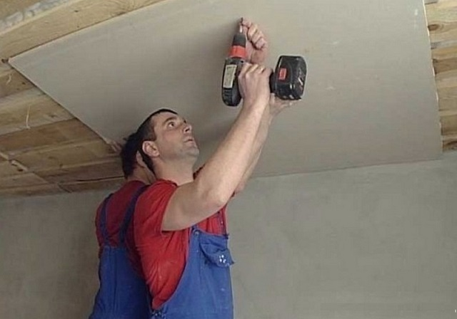 Как выровнять потолок в частном доме своими руками 30