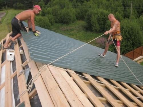 Как перестелить крышу дома своими руками 60